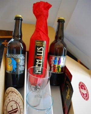 """Scatola Degustazione <p class=""""dett""""> – 4 birre in bott. da 75cl + 6 pinte <p class=""""dett""""> – 6 birre in bottiglie da 75cl"""